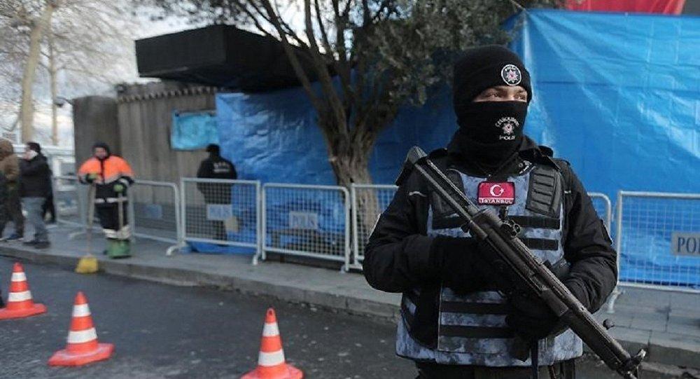 Policía turca cerca de club Reina, Estambul