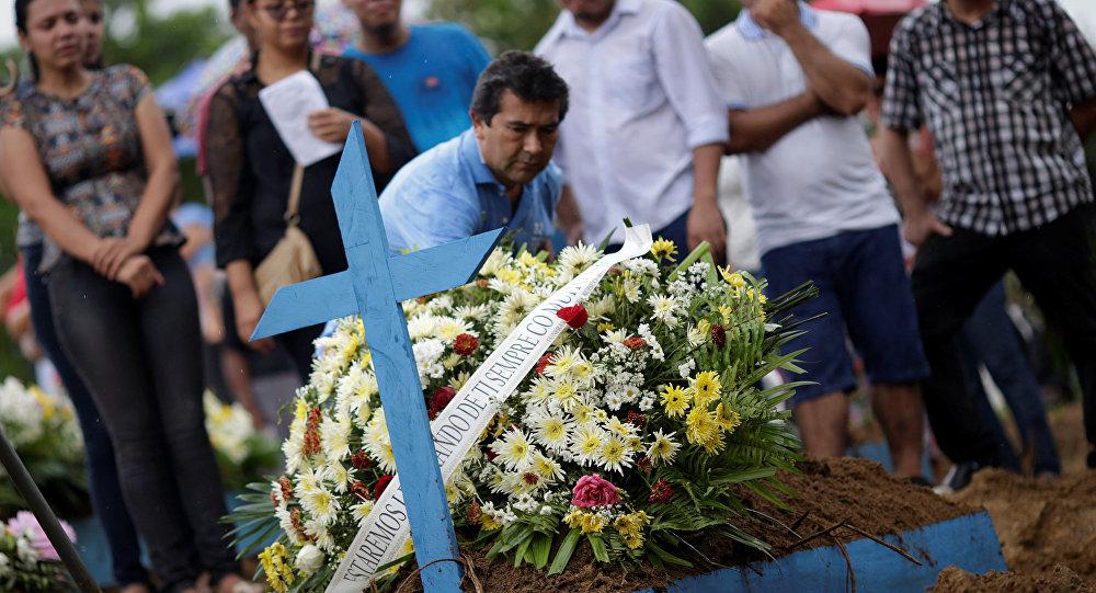 Funeral de las víctimas de la matanza en la cárcel de Manaos