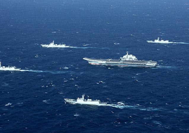 China estrena su agrupación naval liderada por el portaviones Liaoning