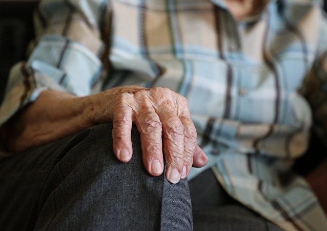Anciano (imagen referencial)