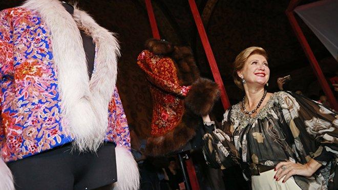 La cantante y diseñadora rusa Victoria Tsyganova presenta la nueva colección de su marca (archivo)
