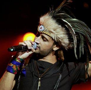 El popular músico pakistaní Atif Aislam