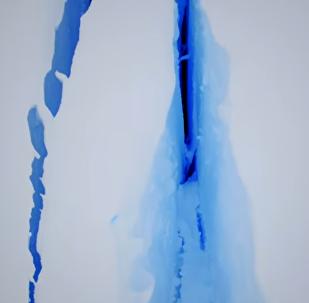 Una grieta gigantesca en el hielo de la Antártida