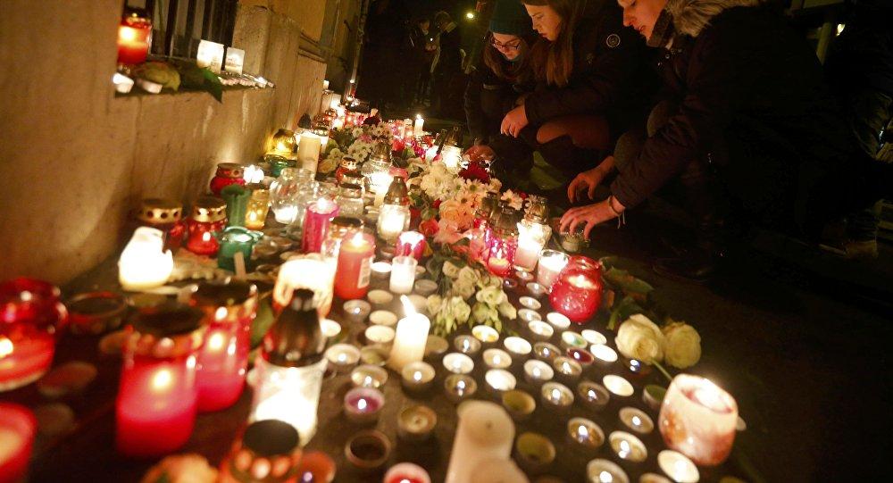 Homenaje a las víctimas del accidente de tráfico ocurrido en la autopista A4 en San Martino Buono Albergo, cerca de Verona
