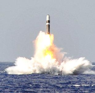 Lanzamiento de un misil balístico Trident II desde el submarino estadounidense USS West Virginia (archivo)
