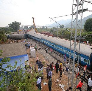Un tren descarrilado en la India