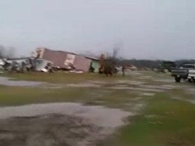 Efecto destructivo de tornados en EEUU