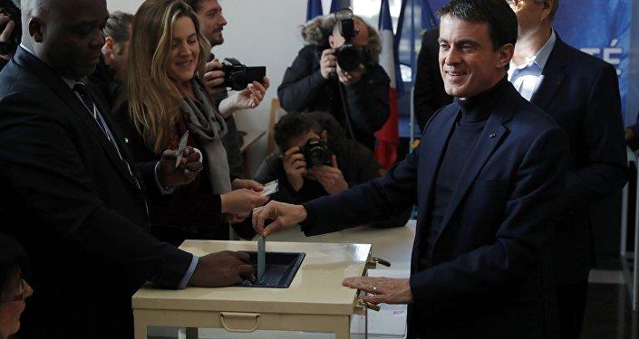 Manuel Valls durante las primarias en Francia