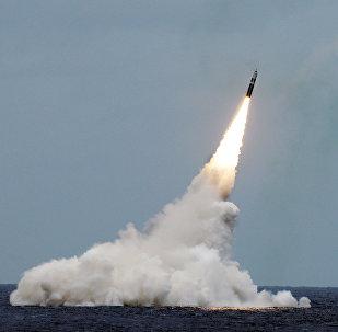 Lanzamiento de un misil balístico Trident II