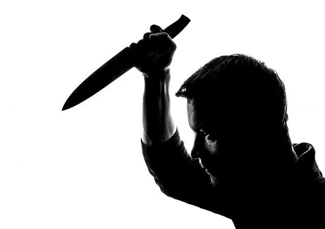 Hombre con un cuchillo (imagen referencial)