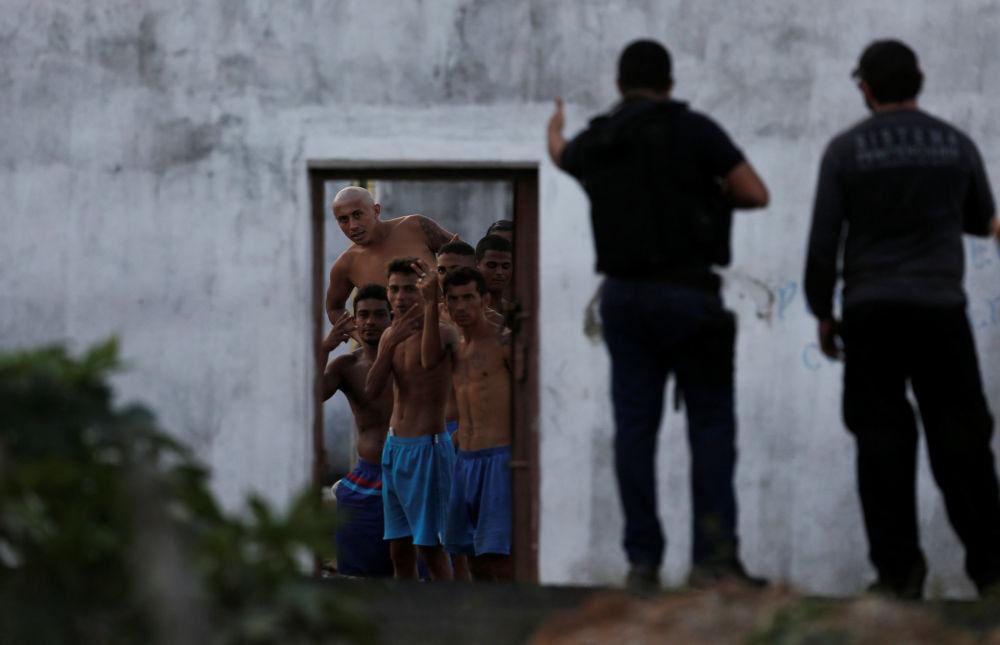 Presos de la cárcel Alcacuz en Natal, Brasil