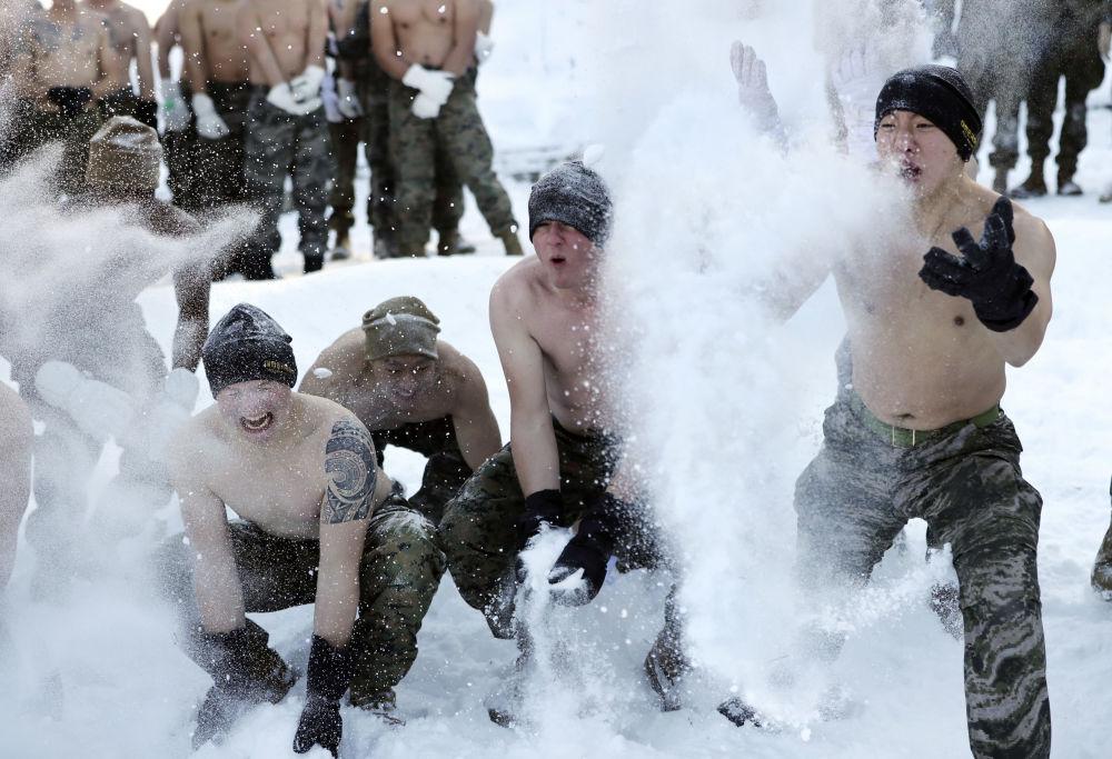 Infantes de marina de Corea del Sur y EEUU durante los ejercicios conjuntos en Corea del Sur