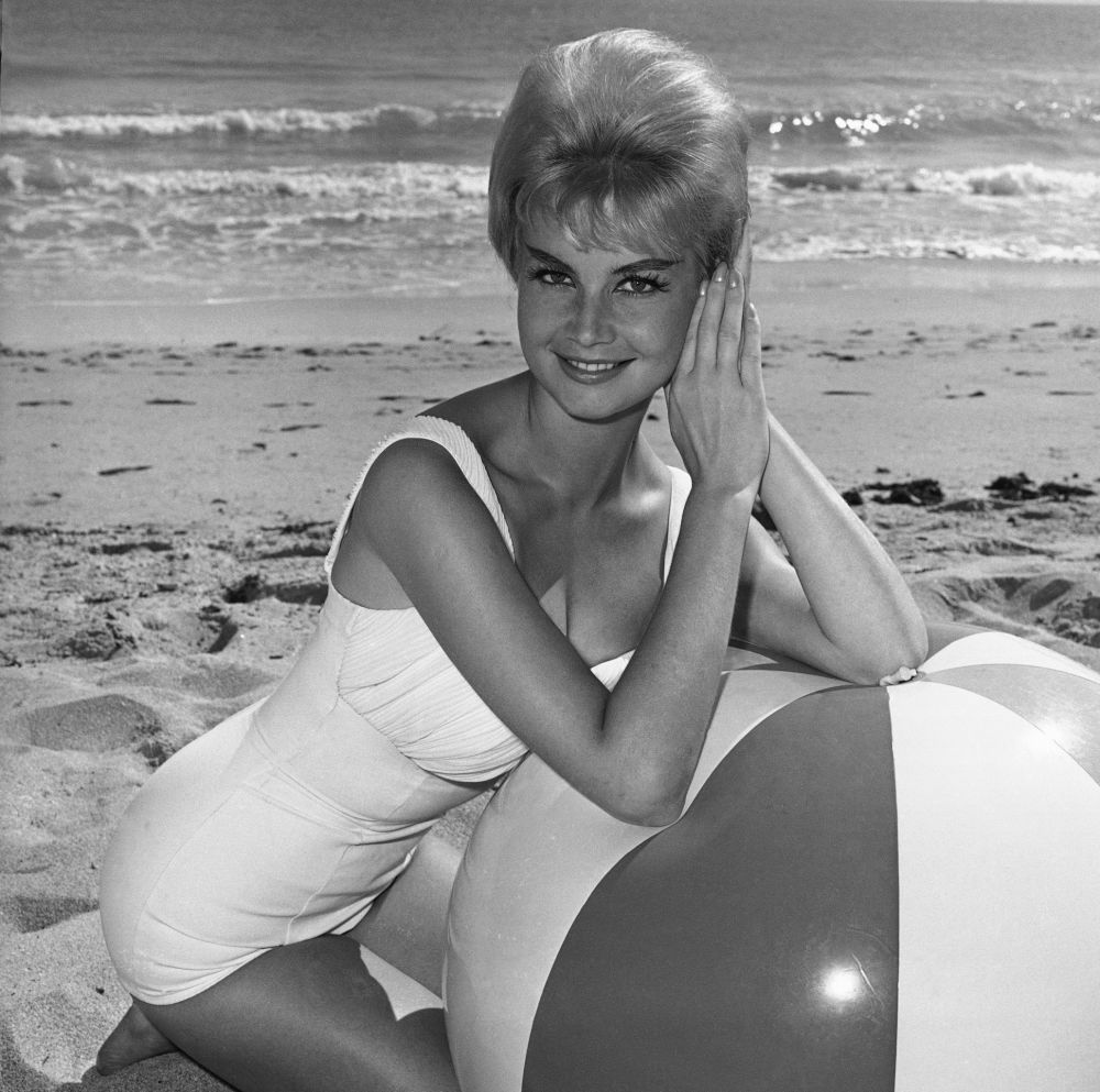 Marlene Schmidt, nacida en la República Democrática Alemana representó a la República Federal de Alemania, Miss Universo 1961