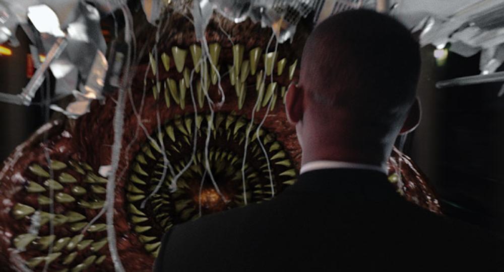 Una captura de la película Hombres de negro (2002)