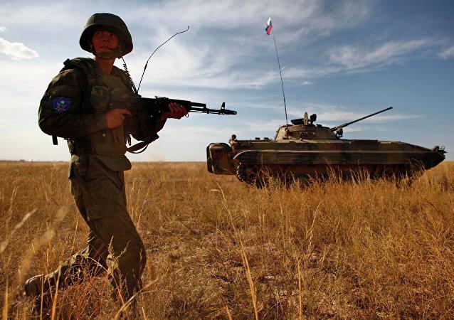 Militar ruso durante ejercicios antiterroristas (archivo)