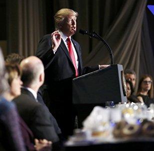 Donald Trump en conferencia de prensa con motivo del desayuno de oración nacional