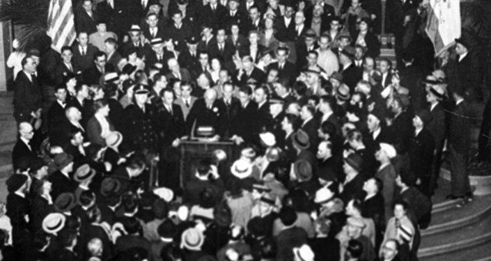 Recibimiento solemne en honor a los aviadores soviéticos en Nueva York. 21 de junio de 1937.