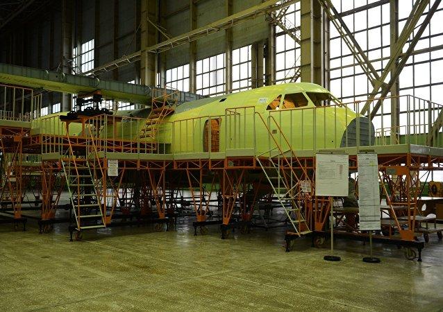 La construcción del avión de transporte militar ligero Il-112