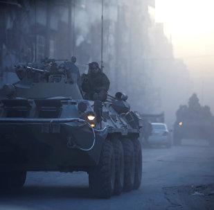 Soldados rusos patrullan las calles de Alepo, Siria (archivo)