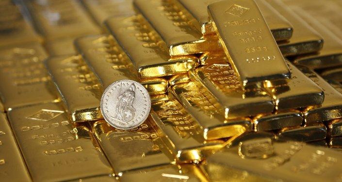 ¿Vuelve la fiebre del oro? Inversores aconsejan comprar este metal
