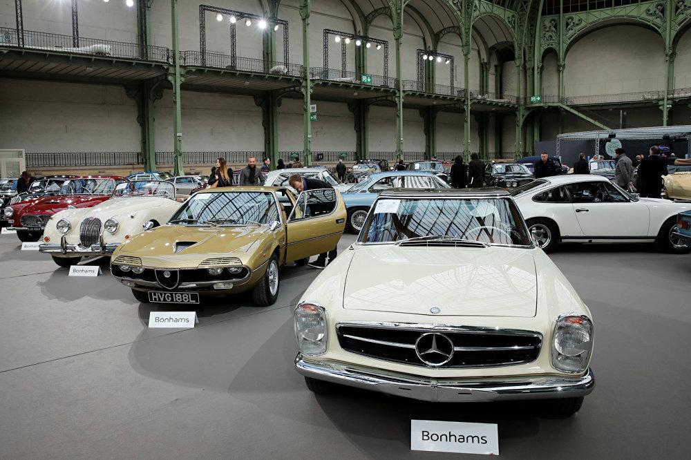 La elegancia siempre está de moda: autos clásicos en subasta en París
