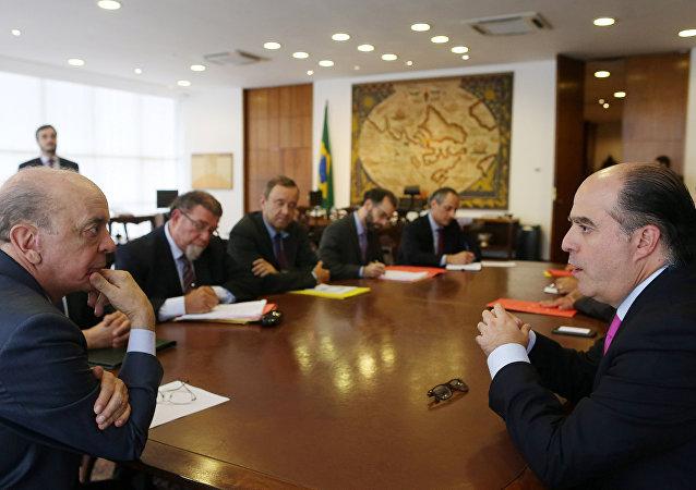 José Serra, canciller de Brasil, y Julio Borges, presidente de la Asamblea Nacional de Venezuela