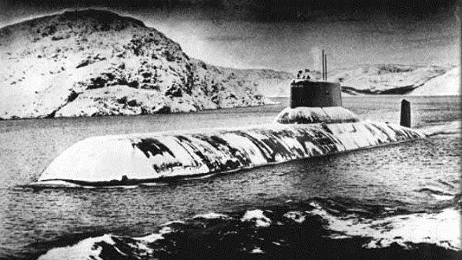 Un submarino de la clase Akula en el Árctico