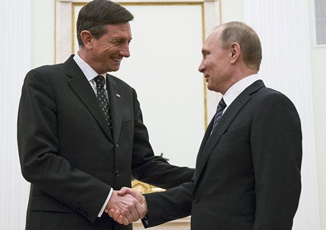 Presidente ruso,Vladímir Putin, con su homólogo esloveno Borut Pahor