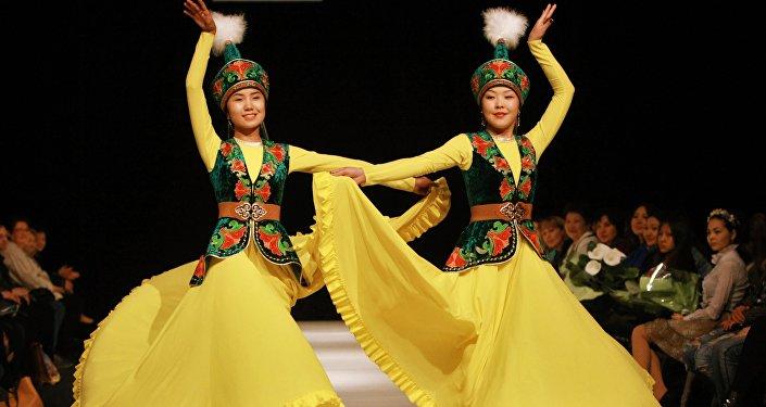 Modelos de Kirguistán