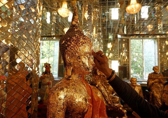 El día de 'Magha Puja' en el templo Wat Phra Dhammakaya, Tailandia