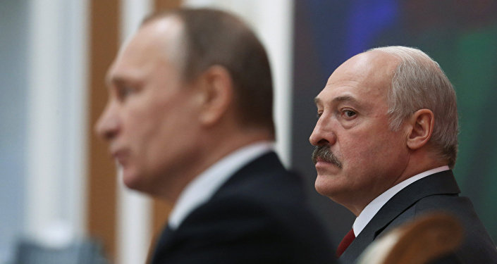 El presidente de Bielorrusia, Alexandr Lukashenko, y el presidente de Rusia, Vladímir Putin (archivo)