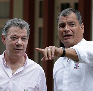 Juan Manuel Santos, presidente de Colombia, y Rafael Correa, presidente de Ecuador