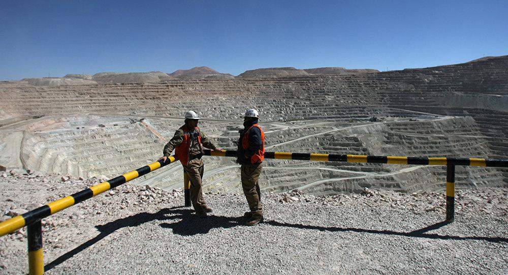 Huelga detrabajadores de la minera Escondida