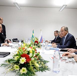 Ministro de Exteriores de Rusia, Serguéi Lavrov, mantiene una reunión con su homólogo brasileño, José Serra