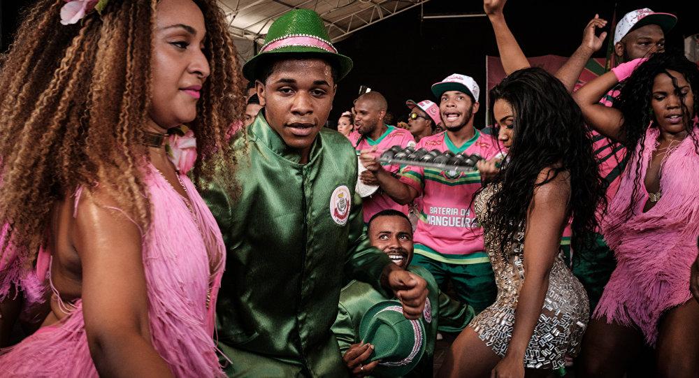 Preparaciones para el carnaval en Brasil