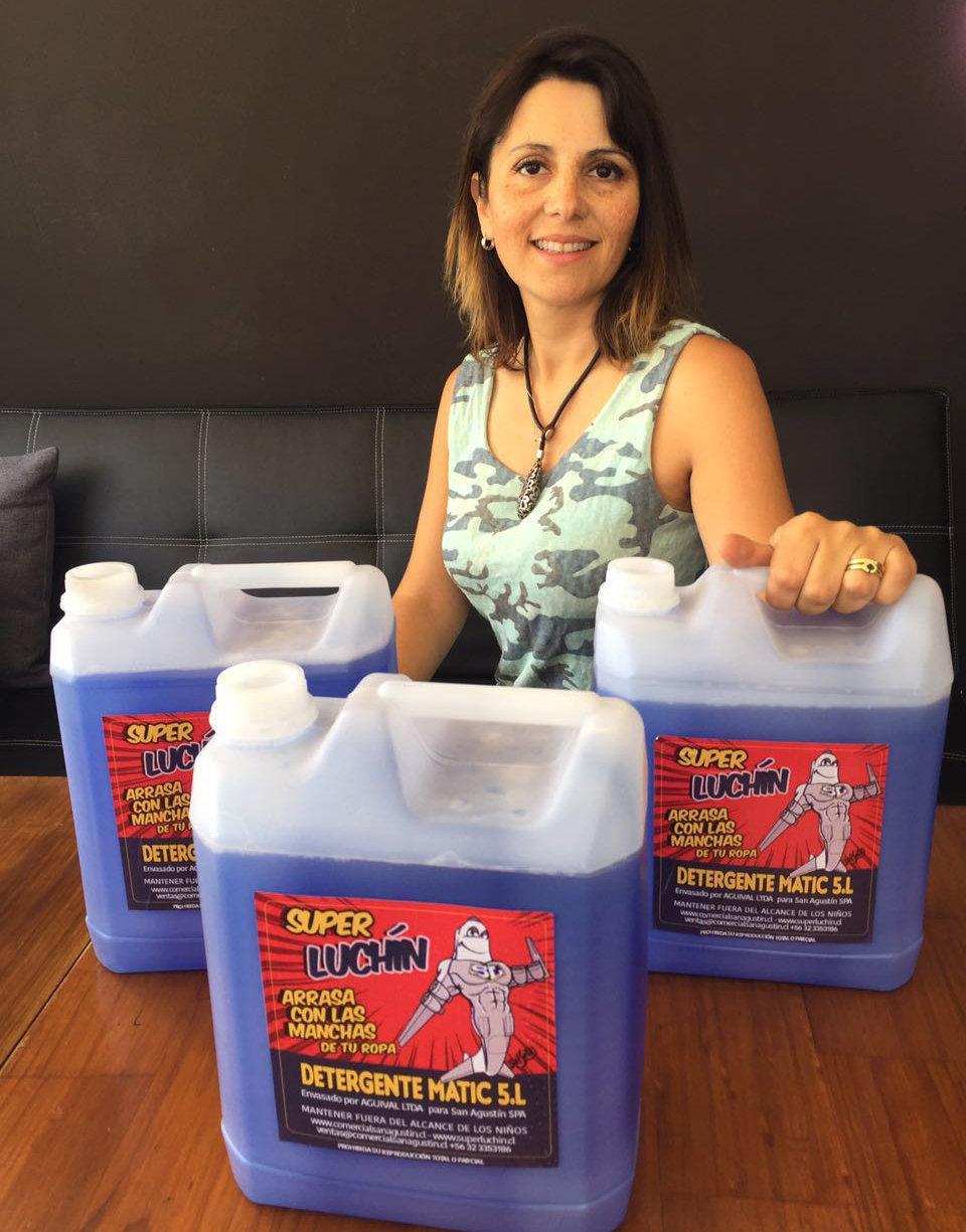 Anita Pino, propietaria de Comercial San Agustín, empresa que creó Súper Luchín.