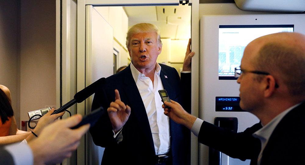 El presidente de Estados Unidos, Donald Trump, conversa con la prensa