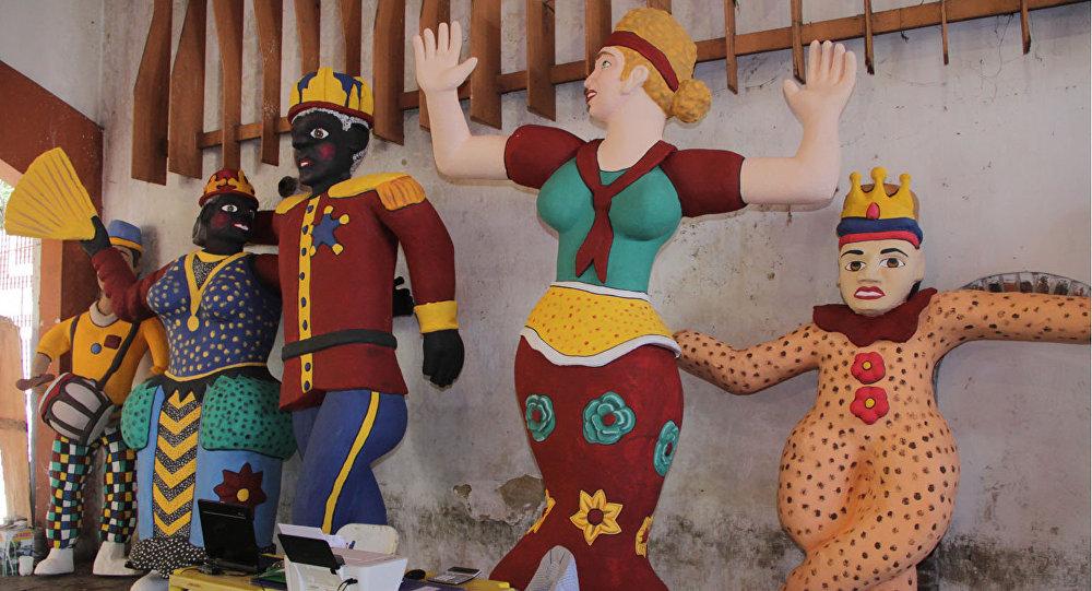 Los muñecos gigantes del carnaval de Olinda, Brasil (archivo)