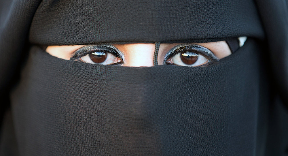Una mujer en hiyab (imagen referencial)