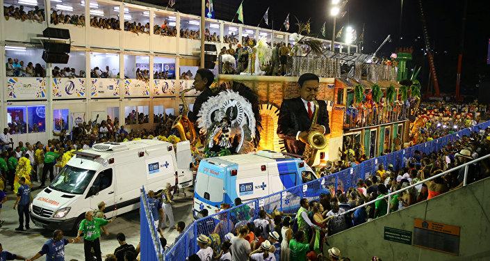 La carroza de la escuela de samba Unidos da Tijuca después del accidente