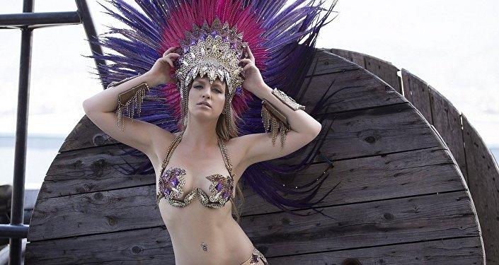 Juliana Titaeva, bailarina rusa de la Escuela de Samba de Portela