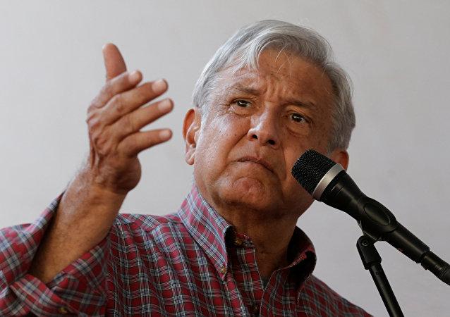 Andrés Manuel López Obrador, aspirante a la presidencia de México (archivo)