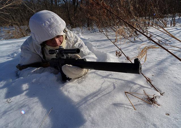 Francotirador de la infantería de marina rusa