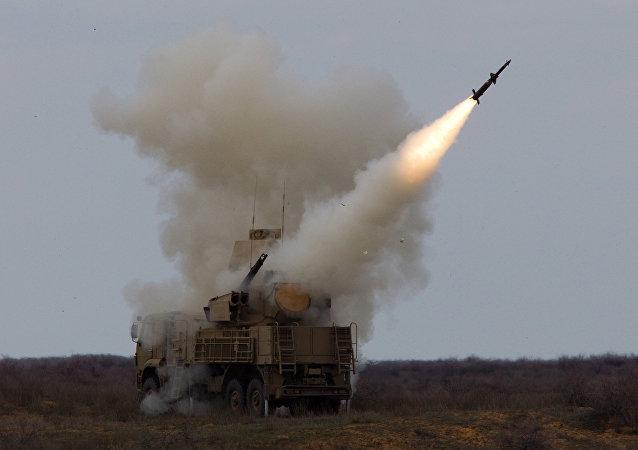 El sistema de defensa antiaérea rusa Pántsir-S, también en servicio del Ejército Árabe sirio (imagen referencial)