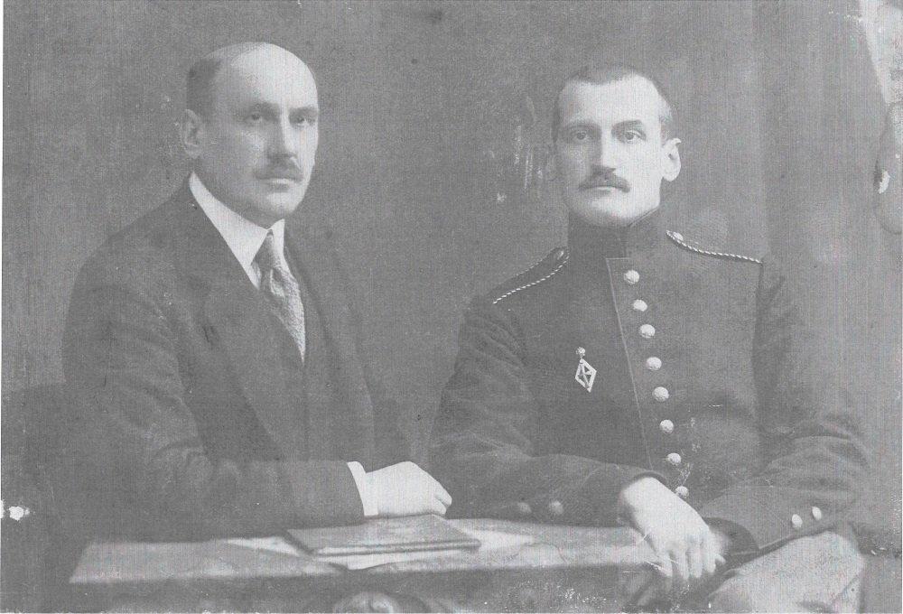 Wladimir Feodorovitch Dobrynin (izda.) y Nicolái Alexandrotvich Maslovsky
