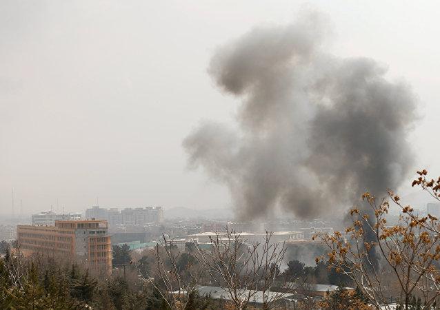 El humo en el lugar del ataque en Kabul (archivo)