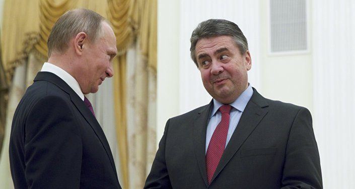 Russian President Vladimir Putin (L) meets with German Foreign Minister Sigmar Gabriel in Moscow