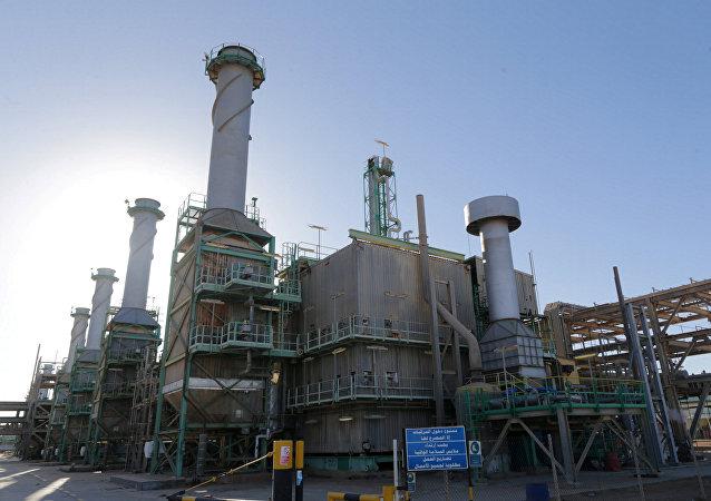 Puerto petrolero Ras Lanuf en Libia (archivo)