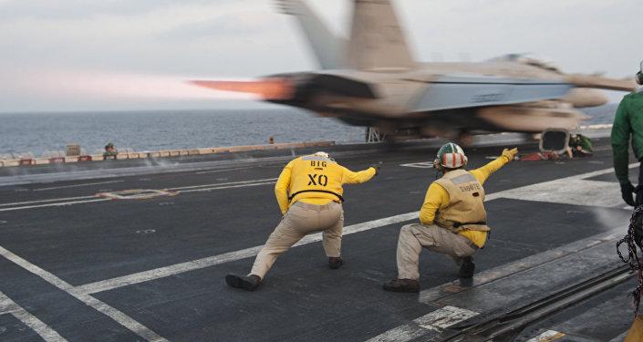 Portaviones estadounidense USS Carl Vinson (Archivo)