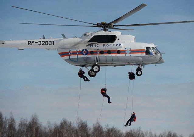 Helicóptero ruso Mi-8MTV del ministerio de Emergencias de Rusia